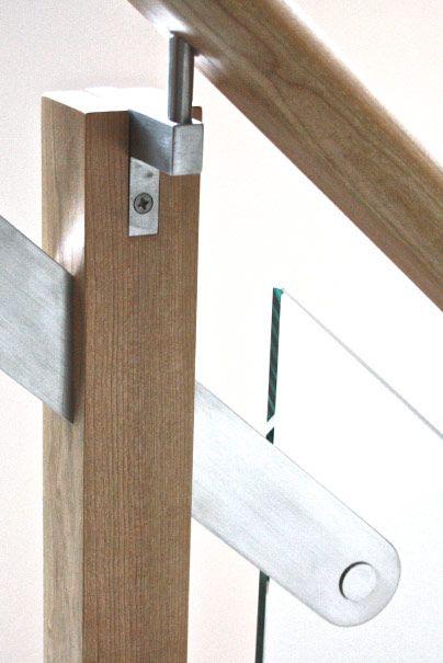 Rampe escalier en cerisier acier inoxydable et verre