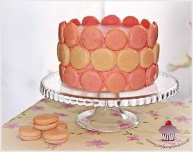 Розовый торт с шампанским