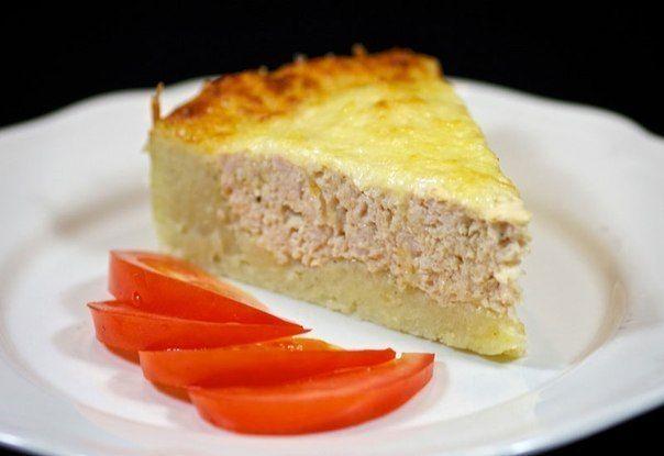 Картофельный пирог с фаршем из мяса индейки может стать как сытной закуской, так и полноценным ужином.