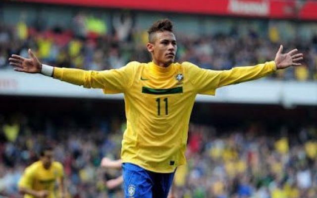 Il PSG ci prova per Neymar con cifre da record Il PSG alla caccia di Neymar. Non per questa sessione di mercato, ma per l'anno prossimo, quando la società francese non avrà i limiti imposti per questa stagione dal Fair Play finanziario. L'indiscr #psg #barcellona #neymar #news #calcio
