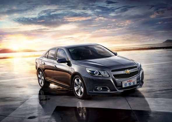 2013 Chevrolet Malibu made its global debut at the 2011 Shanghai Auto Show. Then rolled out across the earth that covers 100 countries. All new chevy Malibu was performed by expressing the design, advanced technology, increased performance, and more fuel efficient.