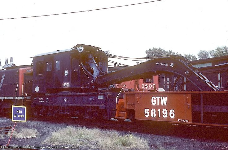 CV Crane 4250           Date: 9/30/1980Location: St Albans, VTViews: 15Collection Of:   Alan Gaines  Rolling Stock: CV 4250 (MofW Equipment)Author:  Alan Niebel