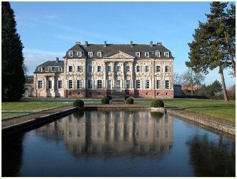 Chateau Barly - Nord Pas de Calais - wonderful gardens, plus interior tours - Le château de Barly est situé dans le Pas-de-Calais, à 20 Km à l'ouest d'Arras, entre la route nationale 25 (Arras-Doullens) et la petite ville d'Avesnes-le-Comte