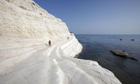The white marlstone cliffs of the Scala dei Turchi, Realmonte, Sicily, Italy.