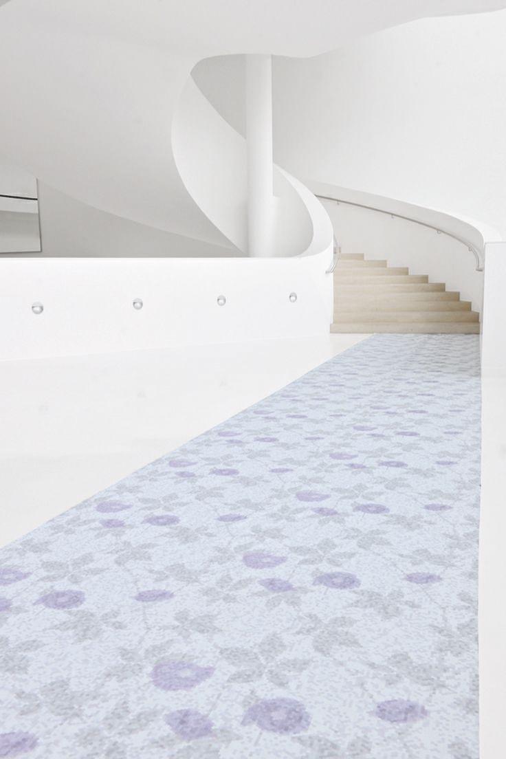 """Dies ist ein Muster aus unserer Themenwelt """"trip to cornwall"""". Das sind weiche Farbverläufe und die Kombinationen von Zeichnungen, Skizzen und Malerei. #architecture #architektur #drapilux #stoff #design #200° #collection #print #baukasten #weiss"""