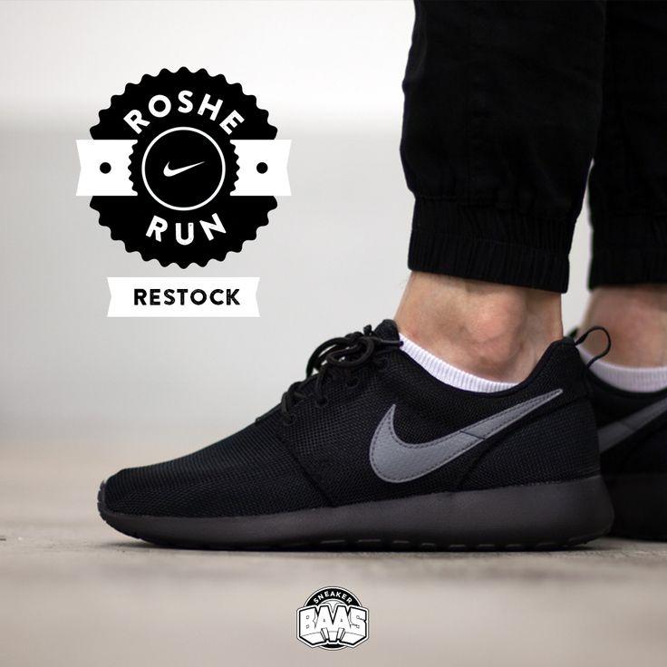#nike #rosherun #nikerosherun #rosheone #rosherunblack #sneakerbaas #baasbovenbaas  Nike Roshe Run - RESTOCK - Priced at 64,95 Euro in GS sizes!  For more info about your order please send an e-mail to webshop #sneakerbaas.com!