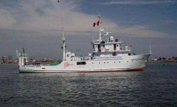 08.02.14: Dos buques de la Marina de Perú ingresaron al triángulo interior otorgado por la corte de La Haya | Política | LA TERCERA
