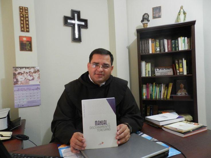 El P.Oswaldo Escobar, superior provincial de los carmelitas descalzos de América Central, ha publicado una obra que se presenta el significativo día del 500 aniversario del nacimiento de santa Tere…