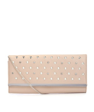 Stud out from the crowd! Give your outfit a certain edge with this gorgeously practical cream clutch bag with silver stud embellishment, the perfect arm candy on any night out!