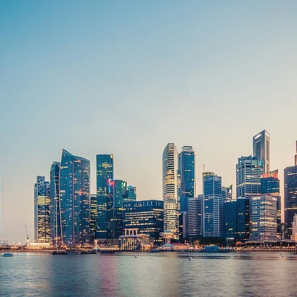 With its picturesque cityscape, amazing cuisine, world-class airport, high-end malls, luxury hotels, convenient transport system, diverse ethnic culture and vibrant history, #Singapore is definitely a must-visit if you are in the region. Book a trip with us! www.clbglobaltravel.co.uk