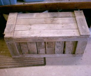 Step by Step guide to making a camping trunk from an old pallet.  See BOUND4BURLINGAME's Pallet Projects 101 Pinterest Board for more ideas! www.pinterest.com/bound4burlingam