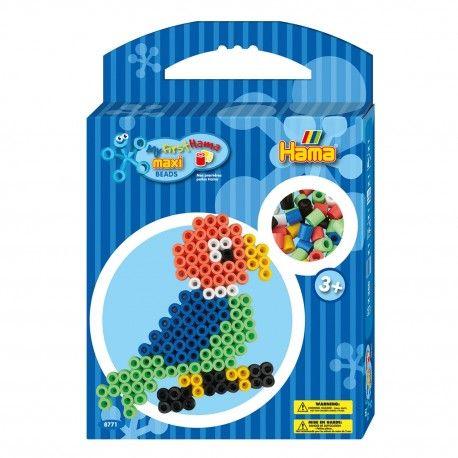 Complete Hama Maxi strijkkralenset. Inhoud: 350 Maxi strijkkralen, transparant Maxi strijkkralenbordje in de vorm van een papegaai, voorbeeld, strijkpapier en instructies.  Afmeting verpakking 29 x 20 x 4 cm Geschikt voor kinderen vanaf 3 jaar.