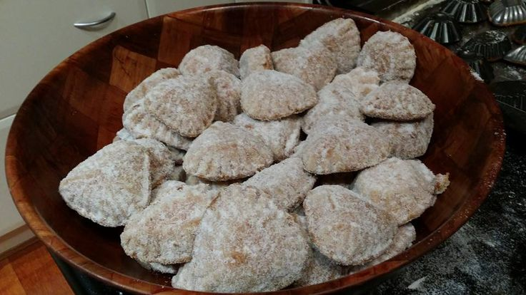Šape (Bear paws) Traditional Croatian biscuit made with walnuts.