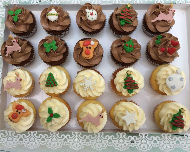 Christmas critter mini cupcakes