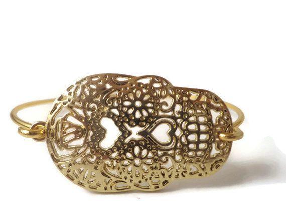 Sugar Skull Jewelry ~ Large Gold Filgree Sugar Skull Bracelet , Day of the Dead , Dia de Los Muertos , Mexican Calavera Jewelry , Skulls