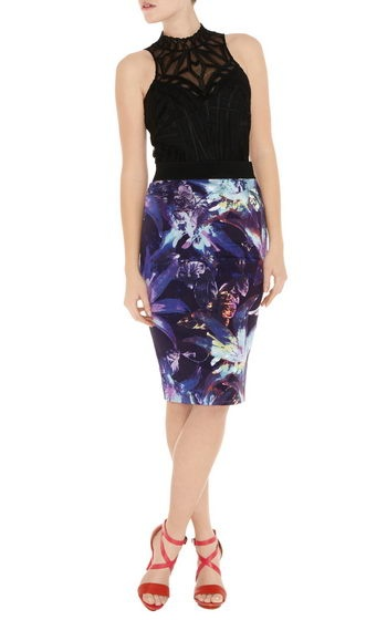Karen Millen Tropical Print Pencil Skirt Purple Multi Sn076 SaleThis particular design Karen Millen Gown using the functions which vibrant as well as brightful to create ladies much more nature that you'll much more sparkly as well as glamourpuss throughout the day. There's also Karen Millen Shoulder blades Gowns,motion right now! Signature stretch pencil skirt in tropical print with grossgain waistband detail.* Material : 27% Polyamide,3% Elastane,70% Acetate * Color : Show as pictures