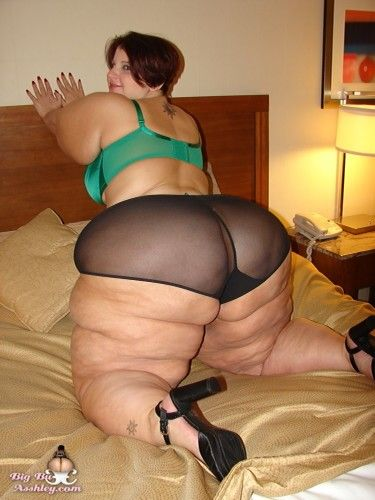 Ginette astrid in pantyhose
