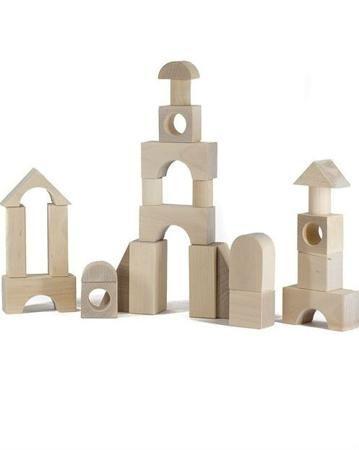 Alatoys Городок неокрашенный 28 дет.  — 574р. ------------------ Конструктор Городок неокрашенный 28 дет. Alatoys из которого можно строить башенки, дома, замки. Для детей старше 1 года. Детали сделаны из натурального дерева, тщательно отшлифованы.