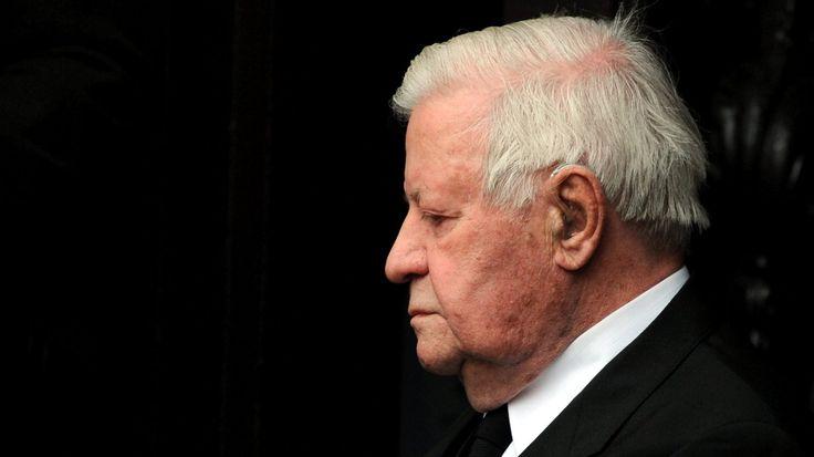 Die ZEIT trauert um ihren Herausgeber: Helmut Schmidt ist heute in Hamburg gestorben. Der Altbundeskanzler wurde 96 Jahre alt.