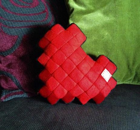 8 bit heart cushion