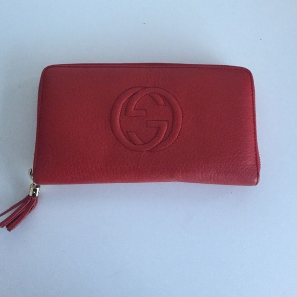 % Authentic Red Gucci Wallet PREOWNED Gucci Accessories
