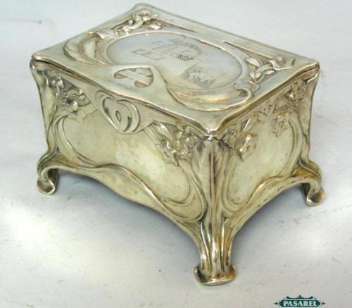 Art Nouveau ~ Silver jewelry box casket  ~ Germany ~ 1900