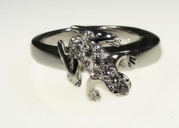 Dada Arrigoni - Anello Kissing frog con diamanti bianchi
