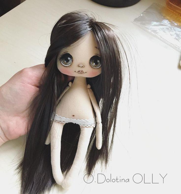 А вот и сестричка☺️ так приятно наверно получить куколку в подарок  от своей сестры☺️ у каждой будет своя девочка