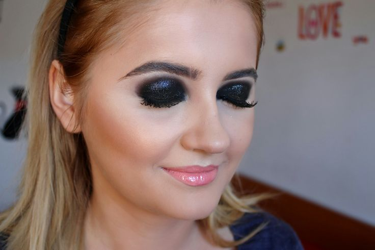 Make up and Beauty https://www.facebook.com/NinaCiursasMakeup/photos_stream  Beauty & Make up Youtuber  https://www.youtube.com/channel/UCUupEhigPVIN_sqPUogW7Pw
