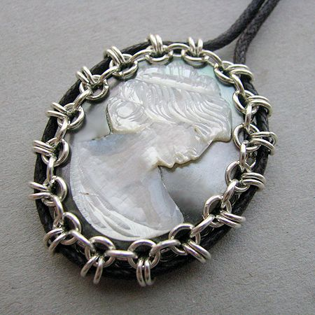 Artistic Life: Chain Mail Bezel for Coins and More