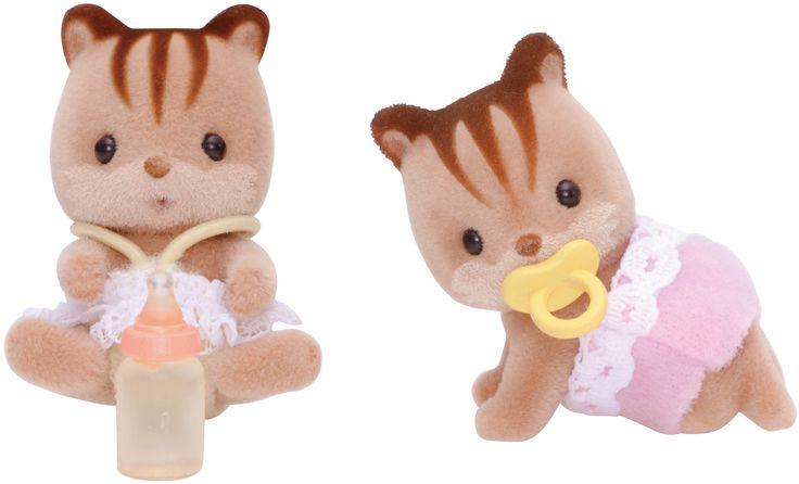 Walnut Squirrel Family Twins - Alfie & Alyssa Δίδυμα τα μωρά του κυρίου σκίουρου Cedric διπλή και η γλύκα τους. Ο Alfie λατρεύει τις σκανταλιές και η Alyssa λατρεύει να ζωγραφίζει.