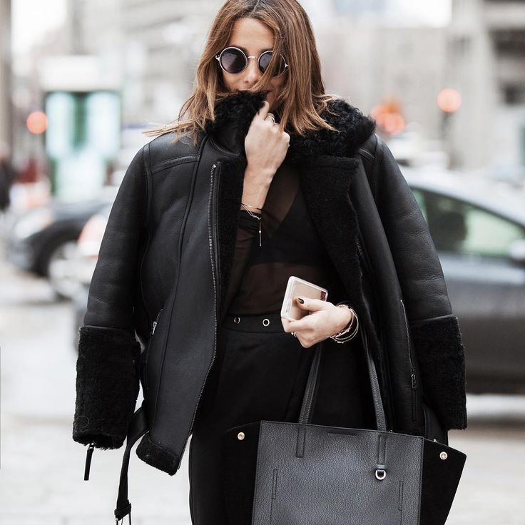 HER.MUST sur Instagram: My name is jess Lennon !  #womansfashion @veromoda #streetstyle #shearlingcoat @ademboutlidja