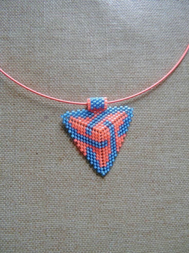Collier amérindienne huichol navajo rose et bleu en perles Miyuki. Ras du cou tissées peyote : Collier par m-comme-maryna