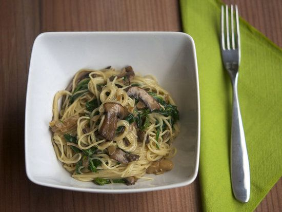 Angel Hair Pasta With Brie Sauce, Mushrooms, Spinach, and OnionsPasta Recipes, Food, Mushrooms Pasta, New Recipe, Nom Nom, Favorite Recipe, Brie Pasta, Sunday Dinner, Angels Hair