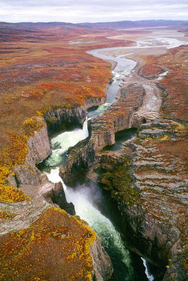 ✮ Wilberforce Falls, Nunavut, Canada