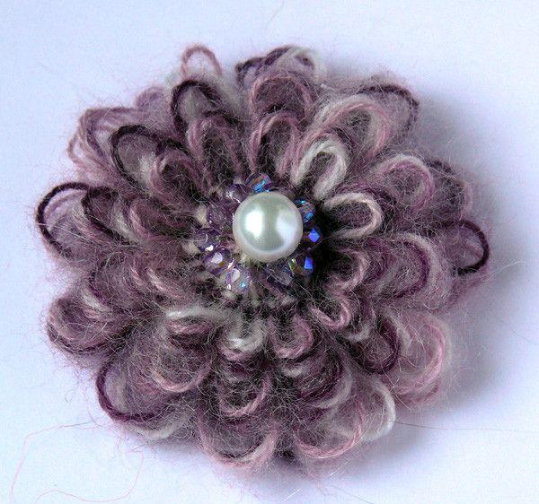 Beautiful loom flower idea