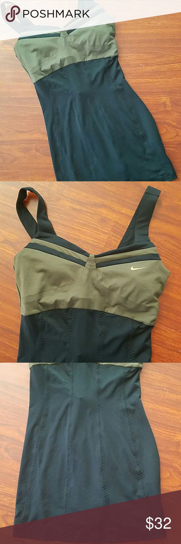 Like new Nike tennis dress workout size small has built in bra Nike Dresses