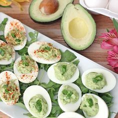 Gevulde eieren met avocado