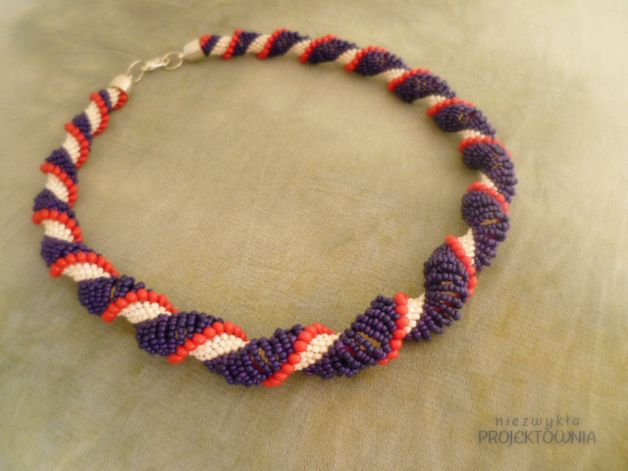 #beaded #necklace #dutchspiral #fashion #beading #jewelry #crafted