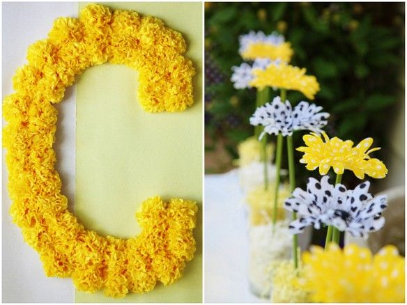 Bumble Bee carnation wreath...good idea for Bebe's first birthday.