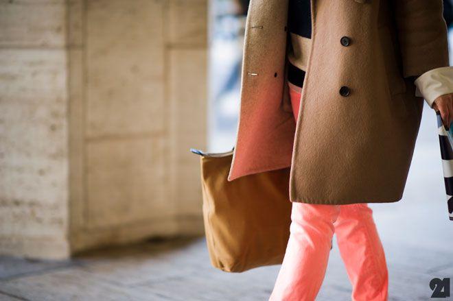 want that color jeans: A Mini-Saia Jeans, Coral Jeans, Colors Combos, Colors Pants, Colors Jeans, Pink Pants, Peaches Pants, Camels Coats, Fashion Blog