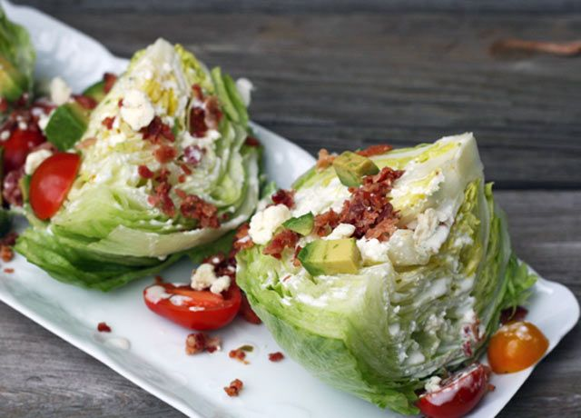 Cheap wedge salad recipe with blue cheese dressing: Just 89 cents per serving!