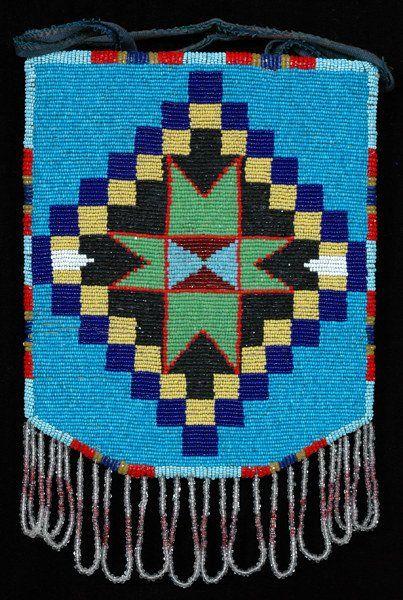 suchasensualdestroyer:  Nez Perce (Idaho), Cornhusk Bag, beads/yarn/cornhusk, c. 1930. Front side.