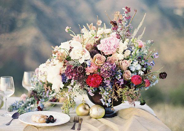 Love it!: Wedding Inspiration, Tables Sets, Bunch Studios, Wedding Flowers, Jose Villas, Floral Arrangements, Wedding Centerpieces, Vintage Flowers, Tables Flowers