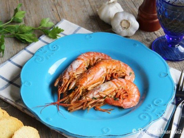 Gamberoni in umido  Ecco una ricetta semplice con la quale vi leccherete i baffi! http://bit.ly/gamberoni-in-umido