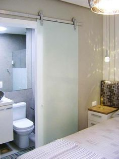 Quarto de casal de um apartamento de 67 m².: