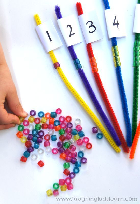 Counting activity that helps fine motor skills. Great for kids and their math development
