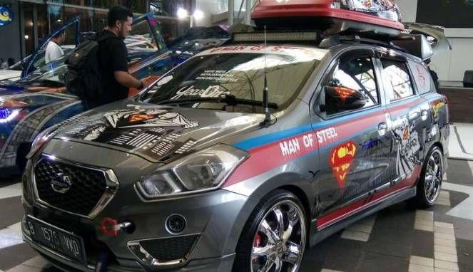 """Gambar Modifikasi Mobil Datsun Konsep Super Hero """"Superman"""""""