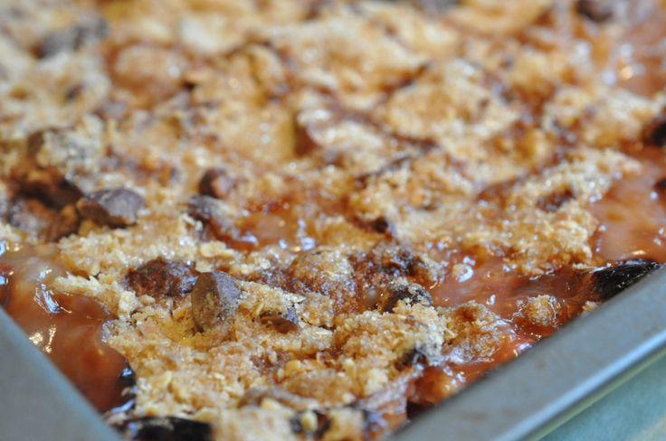 Rabarbercrumble med marcipan og mandler