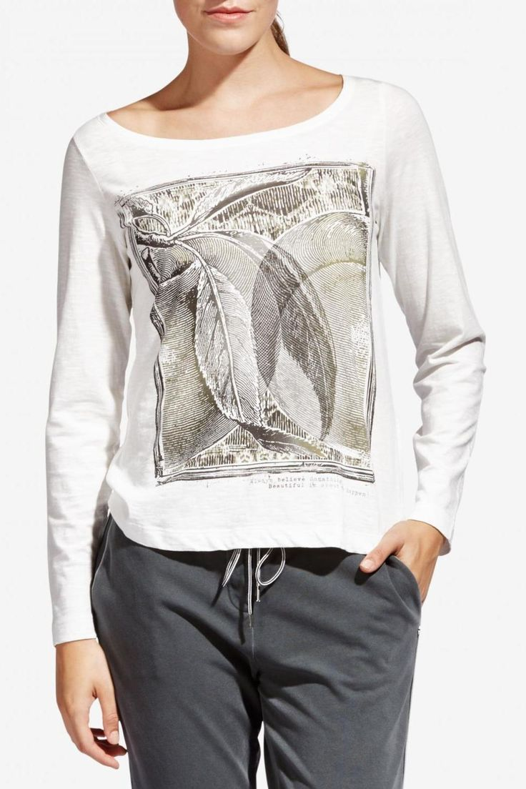 Beautiful graphic tee is perfect paired with the grey denim skirt and bomber jacket that is part of the Sandwich collection. 100% cotton makes it breathable and soft. Graphic Tee by Sandwich Clothing. Clothing - Tops - Tees & Tanks Canada